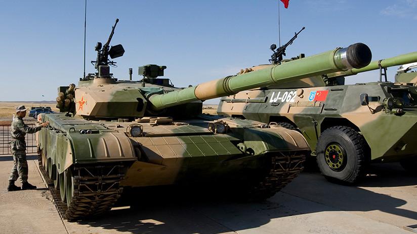Expertos: El ejército de obsoletos tanques chinos será robótico y peligroso