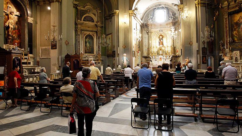 ¿Ladrón arrepentido?: Hallan 42.000 dólares en el confesonario de una iglesia italiana (FOTO)