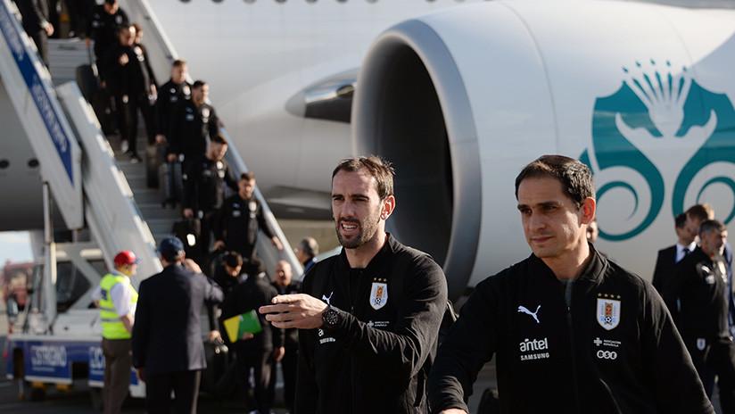 El equipo de Uruguay aterriza en Rusia para el máximo torneo futbolístico