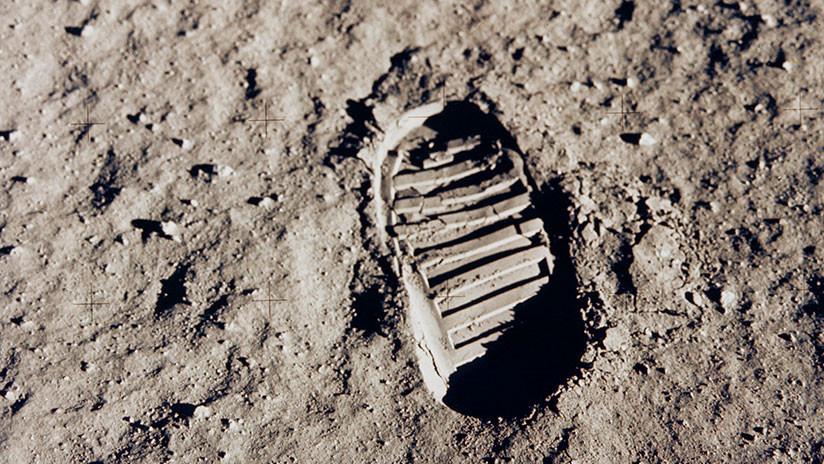 Una mujer demanda a la NASA para conservar el polvo lunar que asegura le regaló Neil Armstrong