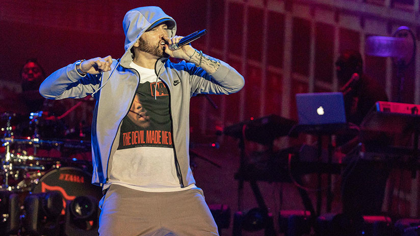 VIDEO: Sonidos parecidos a disparos causan pánico durante un recital de Eminem
