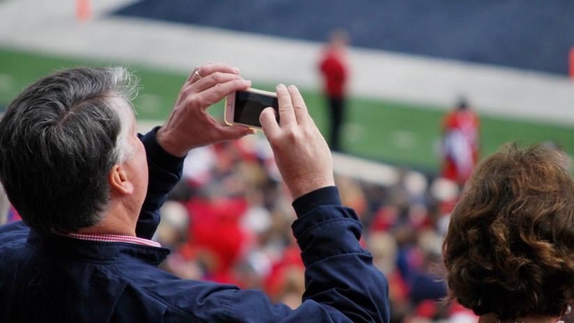 La Liga de Fútbol española espía a los usuarios de su aplicación a través del micrófono del móvil