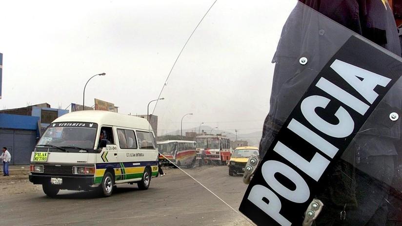 A latigazos castigan a un conductor por no unirse a la huelga de autobuses en Perú (VIDEO)