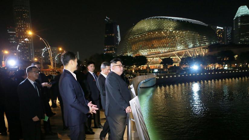 """Kim Jong-un, impresionado por el nivel de desarrollo de Singapur, se muestra dispuesto a """"aprender"""""""