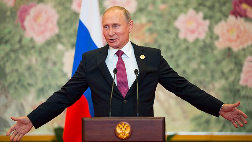 """Putin felicita a los rusos en su día y asegura que """"todo estará bien"""""""