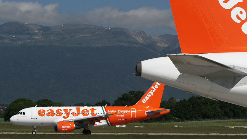 Un grupo de pasajeros quedó abandonado en plena pista del aeropuerto de Ginebra