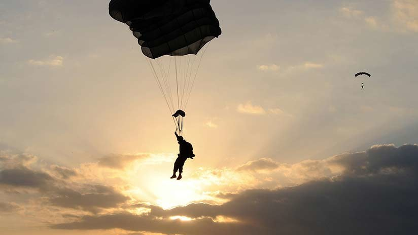 13 paracaidistas españoles y estadounidenses resultan heridos durante unas maniobras en España