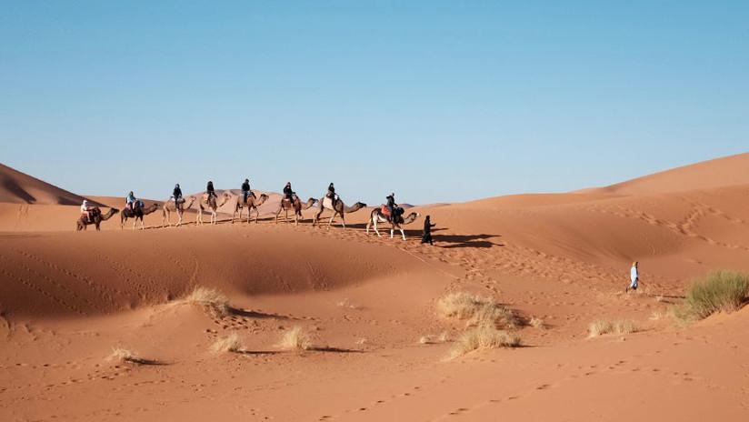 Científicos logran obtener agua potable del aire en el desierto