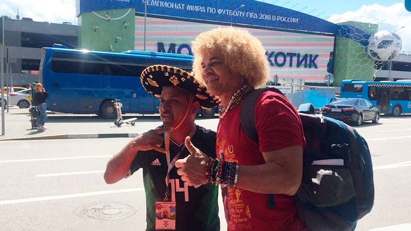 Carlos 'el Pibe' Valderrama llega a Moscú para el Mundial 2018
