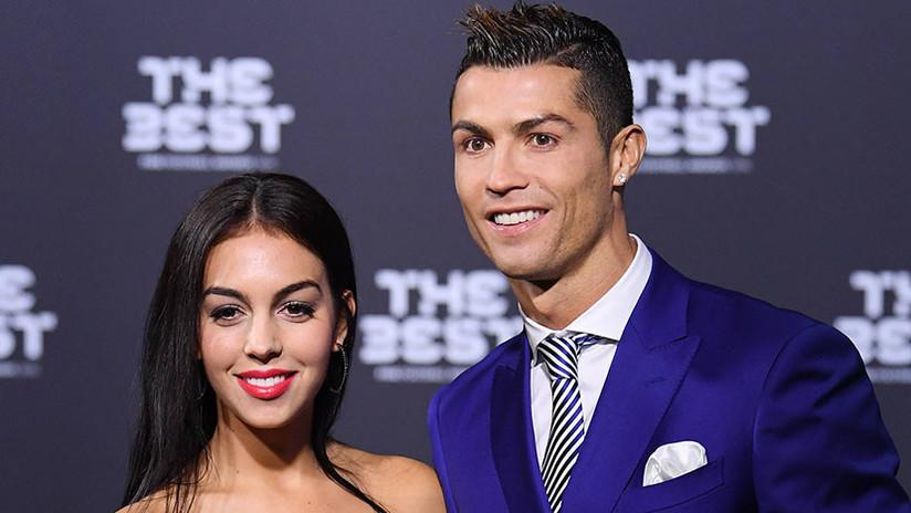 """""""Se necesita mesero chileno"""": La novia de Ronaldo se burla de Chile por su ausencia en el Mundial"""