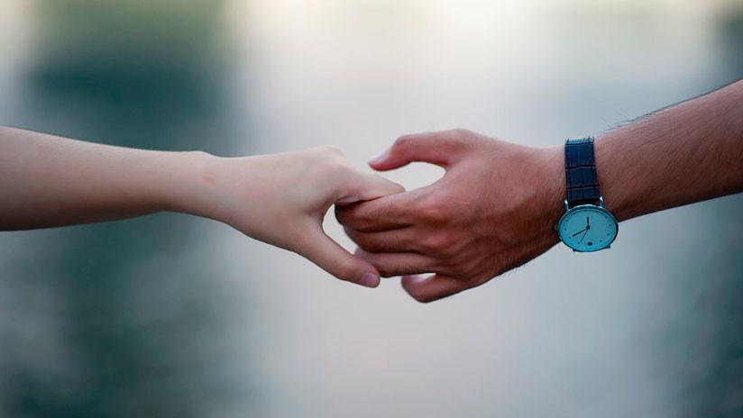 Un apretón de manos puede resultar asqueroso... pero existen otras opciones