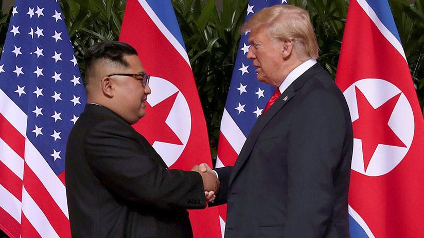 """""""Habla y su gente se levanta para prestarle atención"""": Lo que Trump 'envidia' de Kim Jong-un"""