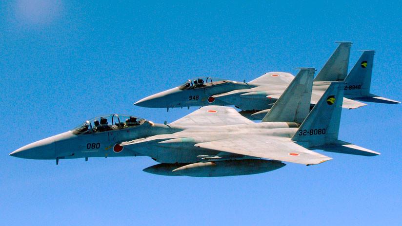 Japón: Dos cazas F-15 casi provocan un accidente con un avión de pasajeros