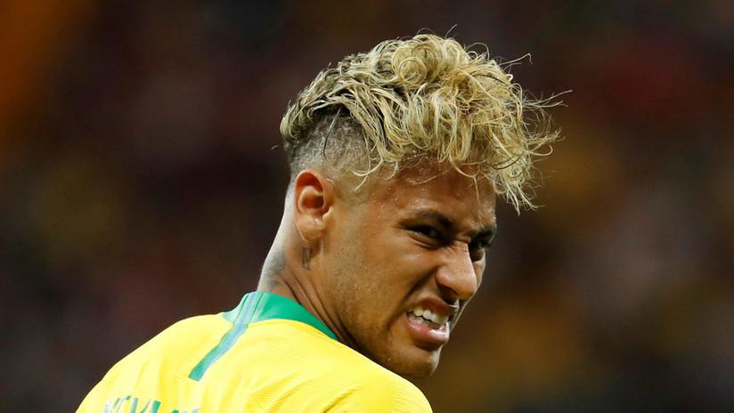 """""""Tiene un bol de fideos sobre la cabeza"""": La Red recibe con sarcasmo el peinado de Neymar (FOTOS)"""