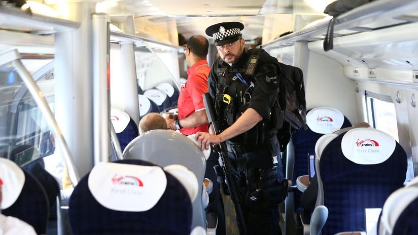 VIDEO: Mueren tres personas tras ser atropelladas por un tren en Londres