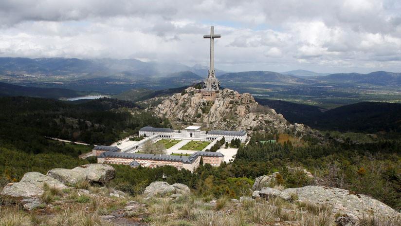 España podría acordar la retirada de los restos del dictador Franco del Valle de los Caídos