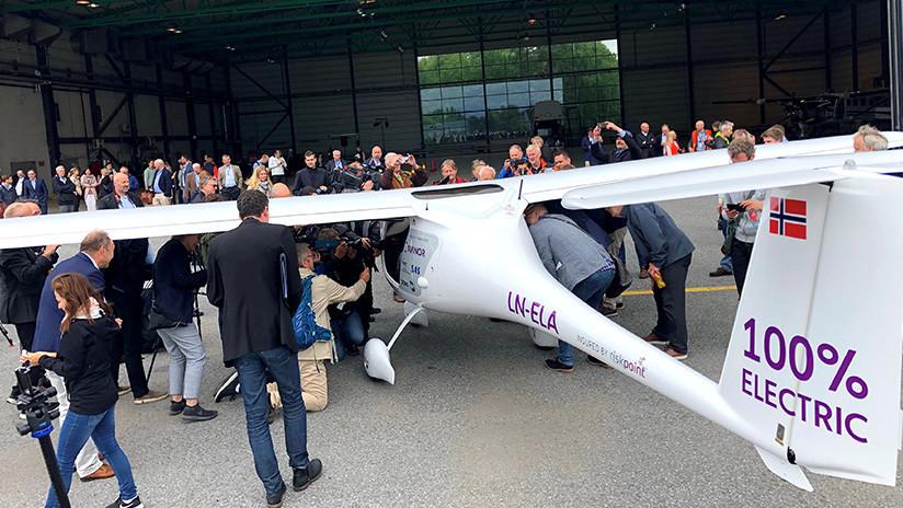 Un paso al futuro: Noruega prueba avión eléctrico para distancias cortas (FOTO)
