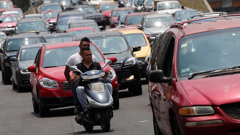 VIDEO: Graban cómo una banda de delincuentes busca asaltar a automovilistas en la Ciudad de México