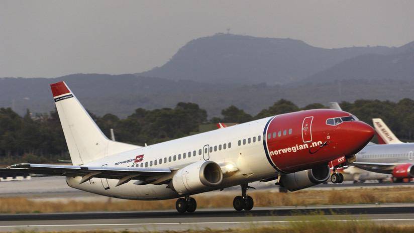 VIDEO: Un neumático de un avión con 152 personas a bordo explota durante aterrizaje de emergencia