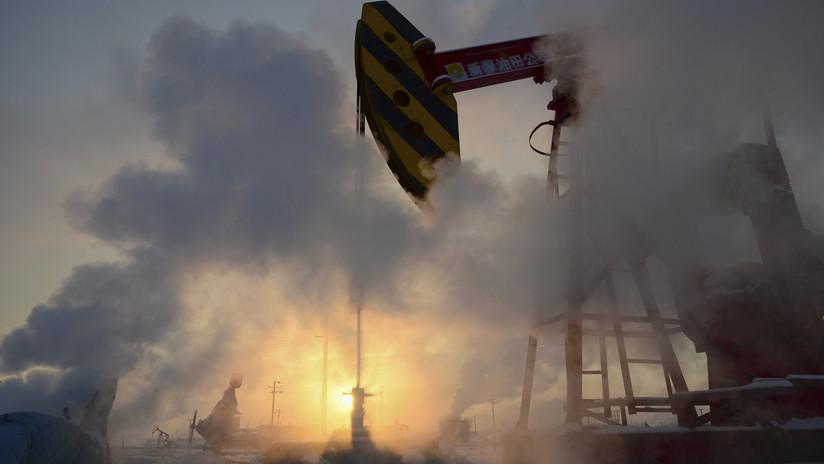 El precio de petróleo cae en medio de las tensiones entre China y EE.UU.