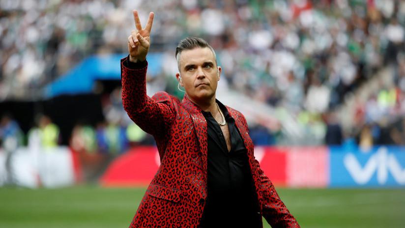 Robbie Williams explica su polémico gesto en la inauguración del Mundial