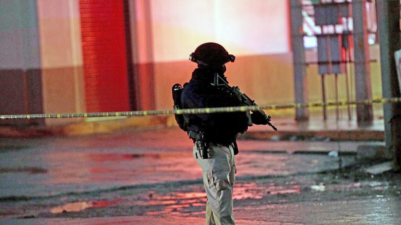 Autoridades de la Ciudad de México buscan camión del que fueron arrojados dos cuerpos descuartizados