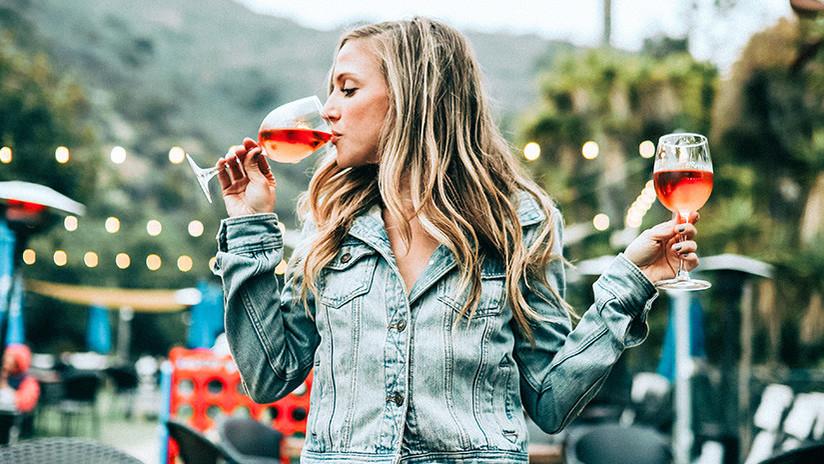 Descubren que el alcohol ayuda a prevenir ataques cardíacos