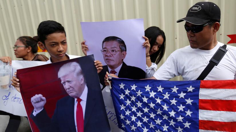 FOTOS: Vigilantes protestan tras ser despedidos por la Embajada de EE.UU. en Camboya