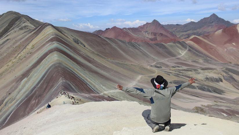 Perú: La excéntrica montaña de los siete colores es concesionada a una minera