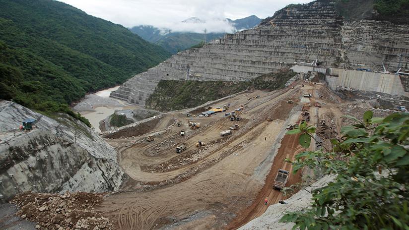 Desplomes de tierra de 200.000 metros cúbicos amenazan el megaproyecto hidroeléctricode Colombia