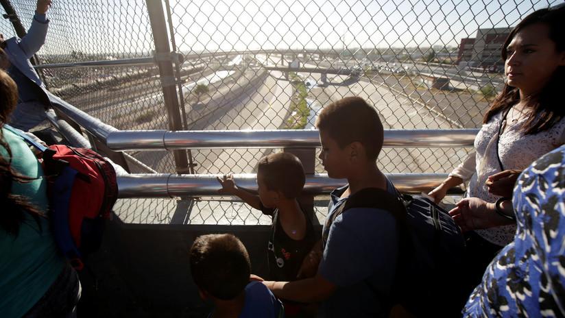 Reportan que EE.UU. deja de procesar a los indocumentados que cruzan la frontera con niños
