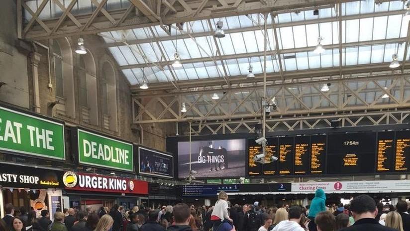 Detienen a un hombre tras una amenaza de bomba a una estación de tren en Londres