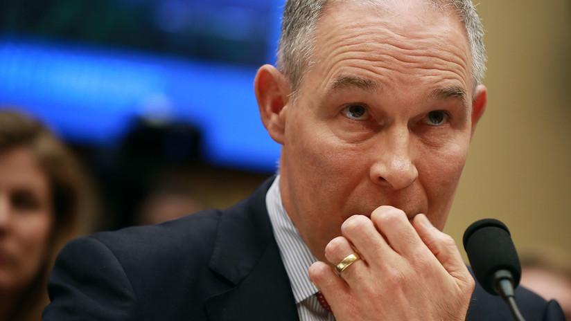 ¿En qué gasta millones de dólares el gerente ambiental de la administración Trump?