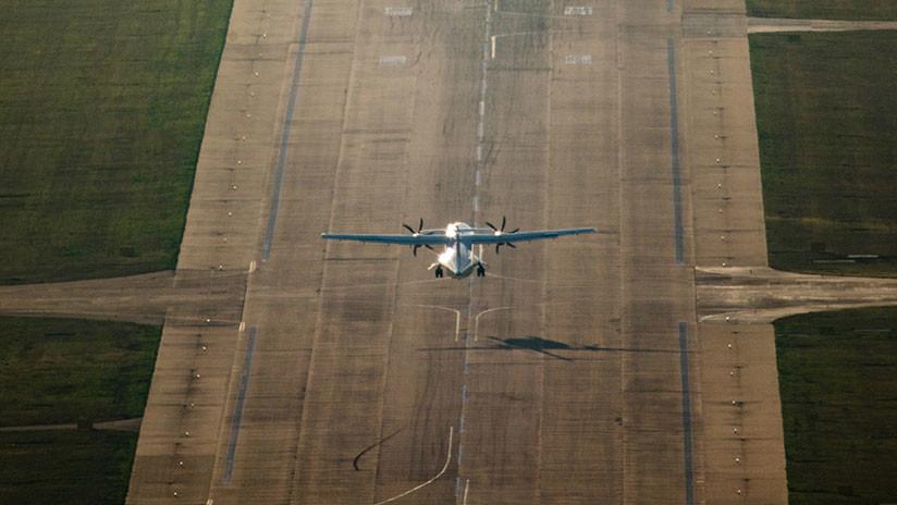 Avión con fallos técnicos en un motor aterriza sin problemas en Rusia