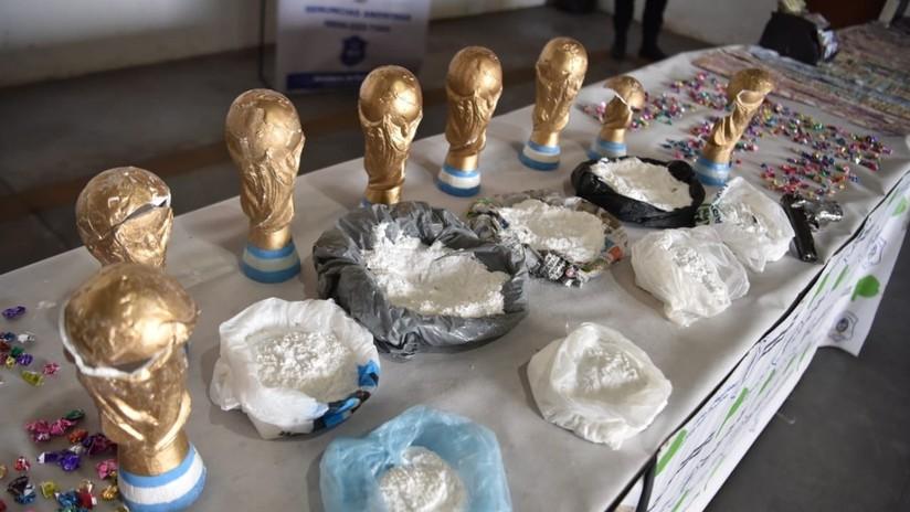 VIDEO: Cae en Argentina una banda de 'narcos' que traficaba droga en réplicas de la Copa del Mundo