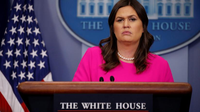 """Echan a la vocera de la Casa Blanca de un restaurante por """"trabajar para el presidente Trump"""""""
