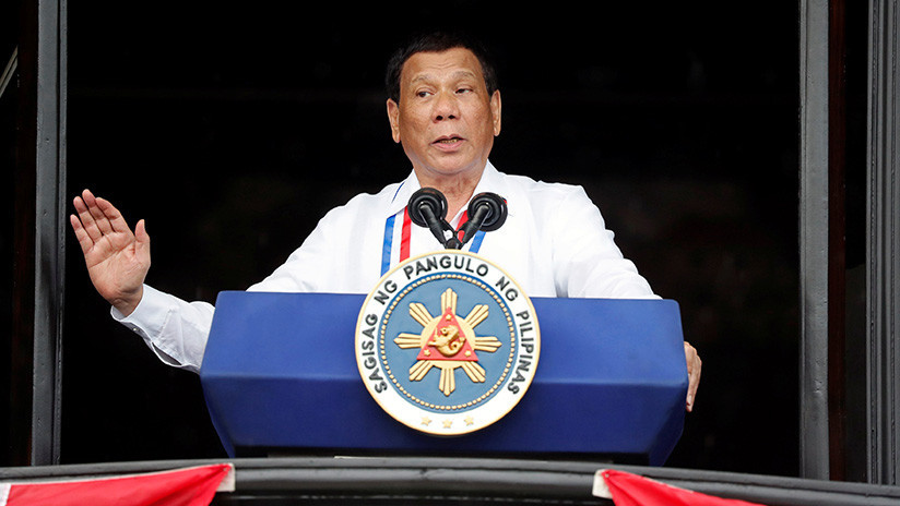 """Duterte: """"¿Quién es este estúpido Dios?"""""""