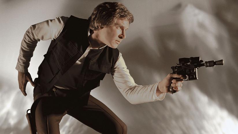 Subastan por 550.000 dólares la icónica pistola de Han Solo en 'El retorno del Jedi'