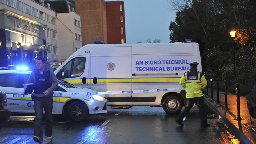 Irlanda: Un coche arrolla a varios peatones junto a una iglesia en Dublín