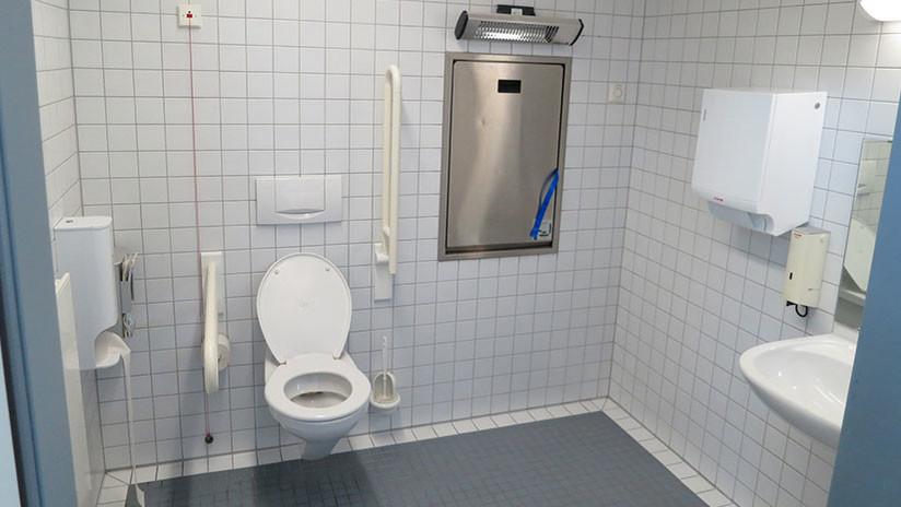 Estos son los mayores peligros que acechan en los baños públicos