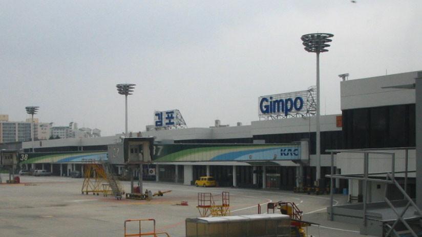Dos aviones de pasajeros chocan en el aeropuerto de Seúl
