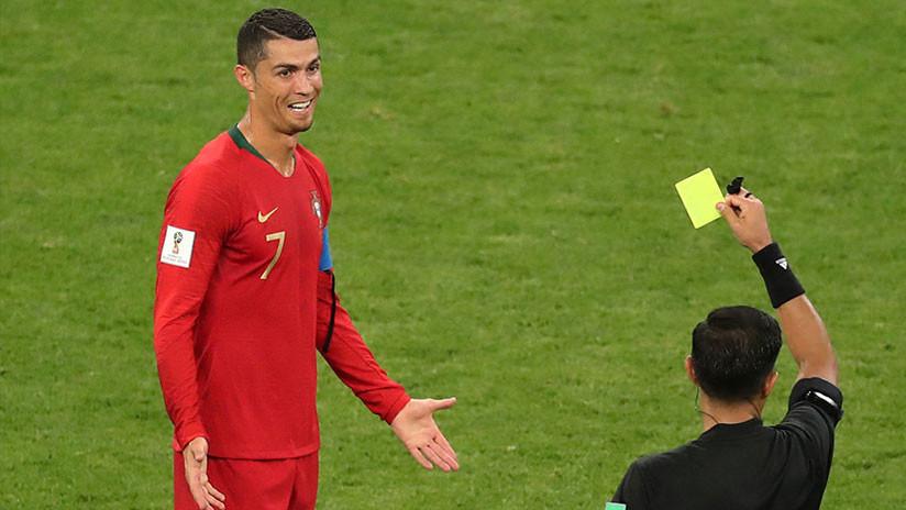 """""""¡Se tendría que haber ido!"""": Furia en la Red por la tarjeta roja anulada a Cristiano Ronaldo"""