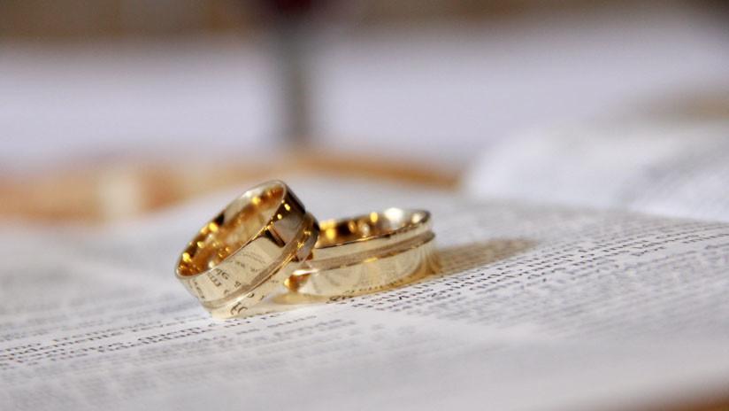 VIDEO: Un rapero pide matrimonio a su novia en un concierto antes de ir a la cárcel por 20 años