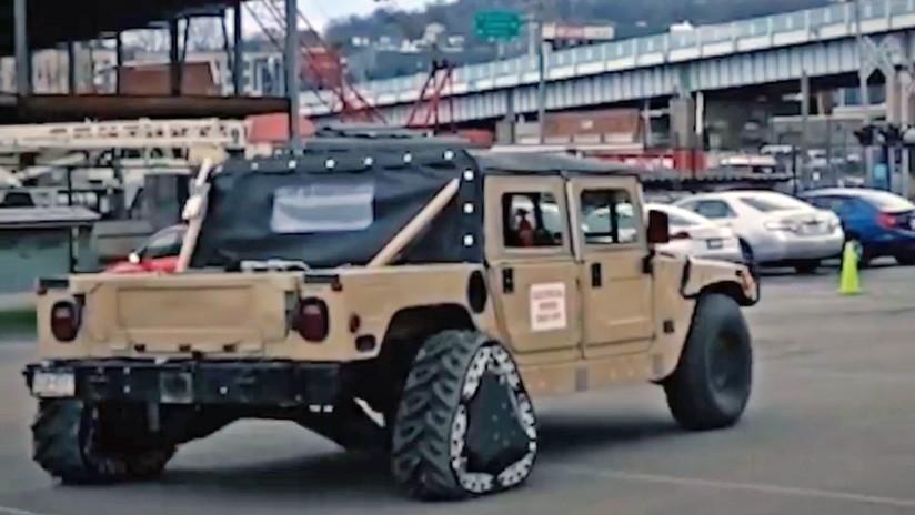 VIDEO: Así es el vehículo militar Humvee con ruedas triangulares que se transforman en plena marcha