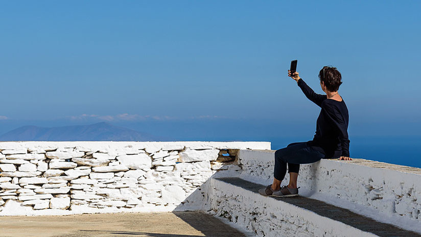 El último 'selfi' de una mujer con su marido antes de caer desde 270 metros de altura