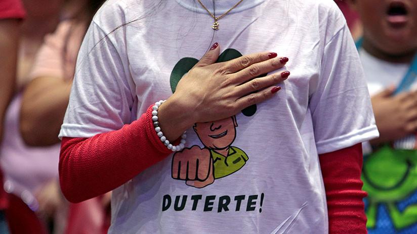 "Vaticinan ""ira divina"" contra Duterte por llamar a Dios ""estúpido"""
