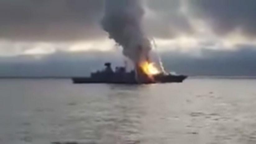 """""""¡Oh, mierda!"""": Fuego en una fragata de Armada alemana tras fallar un cohete (VIDEO)"""