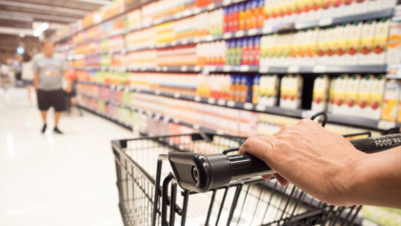 VIDEO: Arresto en un supermercado de Canadá se convierte en una escena de persecución cómica