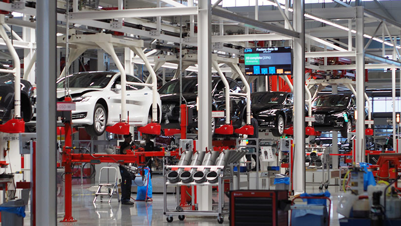Fabricantes de autos rechazan aranceles anunciados por Trump para ese sector