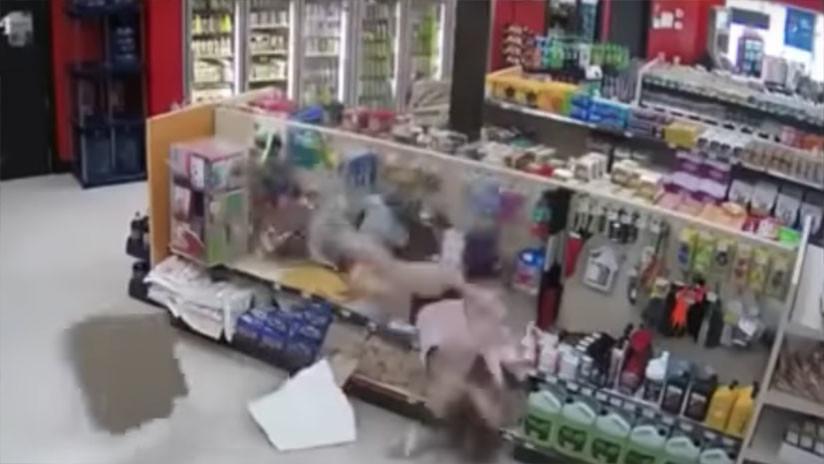 Los ladrones torpes caen del techo: El intento épicamente estúpido de fuga en una tienda canadiense